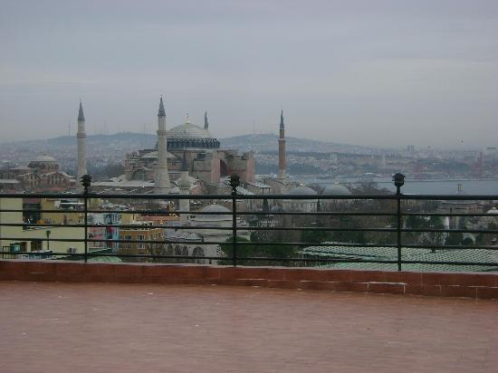 Hali Hotel: View at Aya Sofia from the terrace