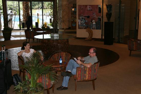 Holiday Inn Cordoba: Waiting in the lobby for our car.