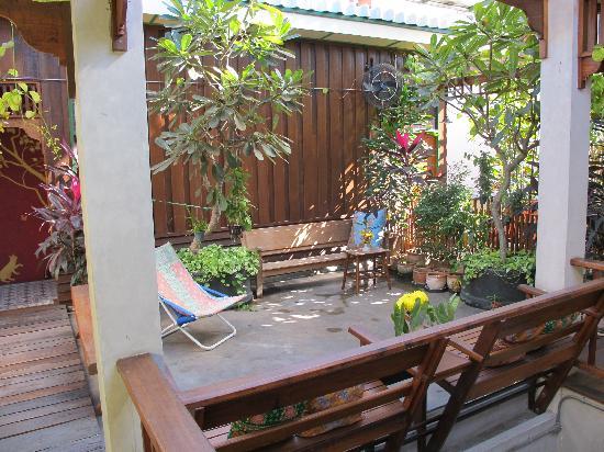 Pak Chiang Mai: Terrasse