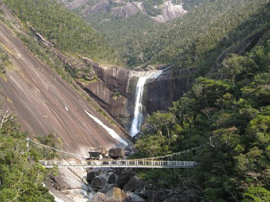Sempiro Falls: 千尋の滝