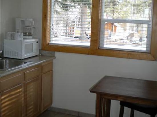 Bear Creek Resort: Kitchen