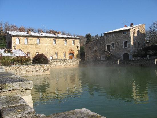 Albergo Le Terme: La Piazza