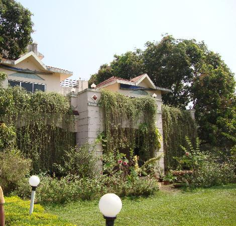 Ghanvatkar Bunglow at Zirad: The main front view