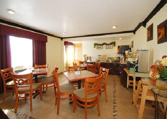Quality Inn & Suites Toppenish - Yakima Valley: breakfast room