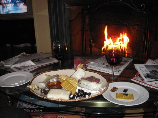Scranton Seahorse Inn: our wonderful cheese plate