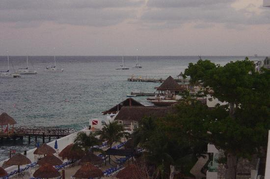 El Cid La Ceiba Beach Hotel: Typical view from the tower rooms