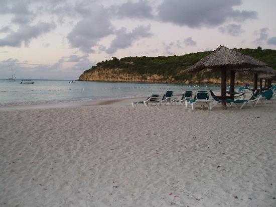 Halcyon Cove by Rex Resorts: Halcyon Cove Beach Feb 2006