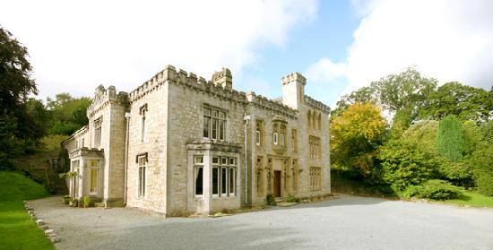 Ffarm Country House: Front of house