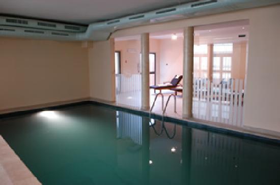 Pilgrim's Hotel: piscina