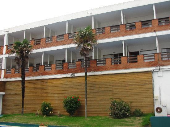 Hotel Peninsula: Habitaciones exterior