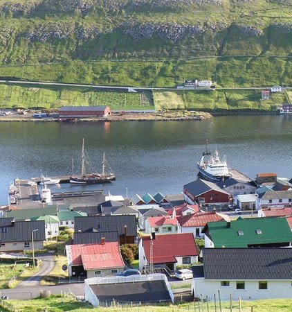 Vagur, Faroe Islands: Vágur, the harbor and the Bowling Centre