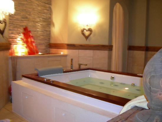 Luxury DolceVita Resort Preidlhof: Jacuzzi nel centro benessere