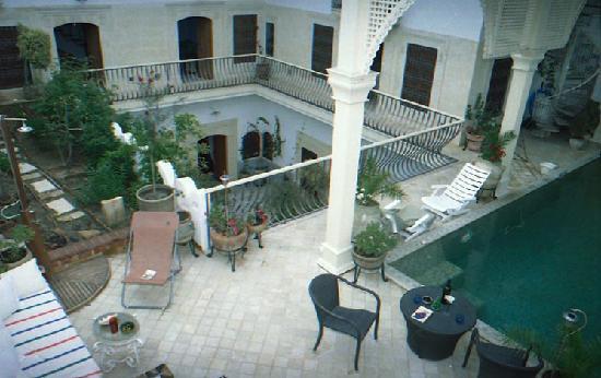 Dar om el Khair : terrasse et piscine