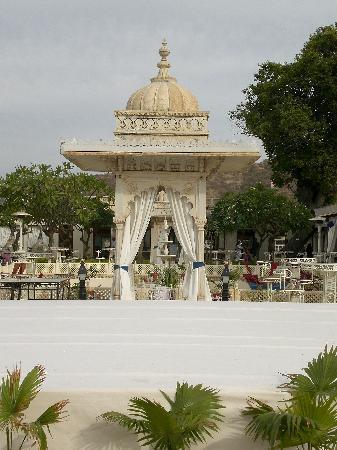 Jagmandir Island Palace: Restaurant