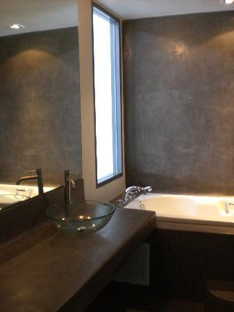 The Houben Hotel: Bathroom
