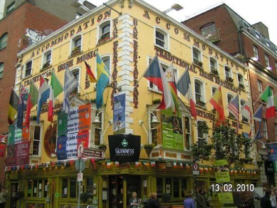 Traditional Irish Musical Pub Crawl: Famous (international) Irish pub !