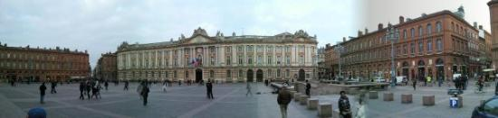 Place du Capitole : La Plaza del Capitolio
