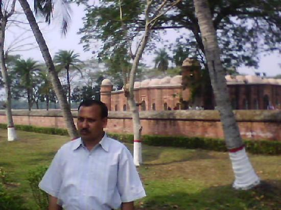 Bagerhat, بنجلاديش: The Mosque of Shat Gombuj Bagerhat