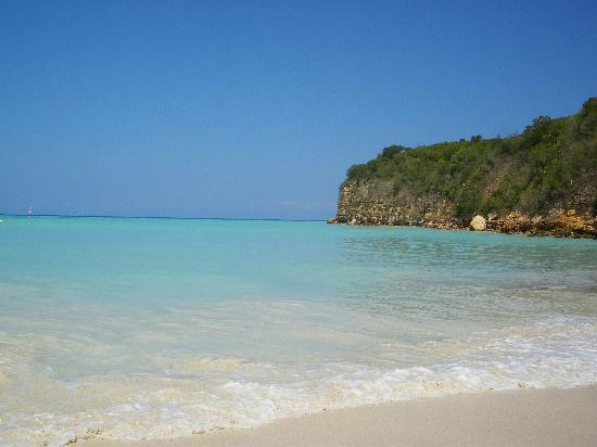 Pineapple Beach Club Antigua : dickenson beach