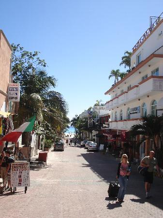 Hotel El Punto: One block from beach!