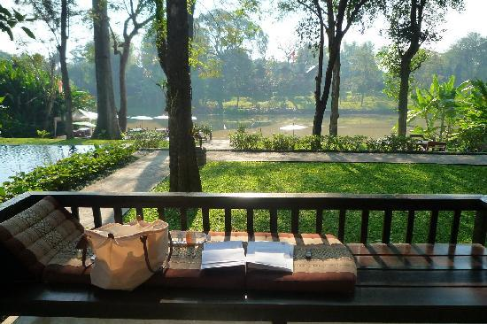Lanna Dusita Boutique Resort by Andacura: Balcony of 411 - very nice facing the Ping river