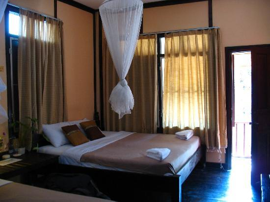 Muonglao Guesthouse: Our lovely room