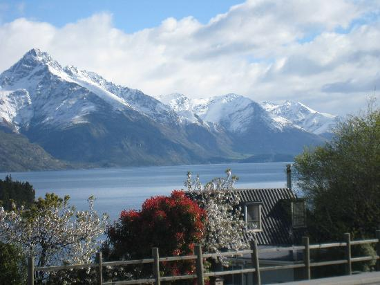 Swiss-Belsuites Pounamu Queenstown: Could never get sick of this view out our window