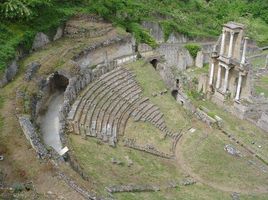 Teatro Romano (Roman Theater & Baths) Bild