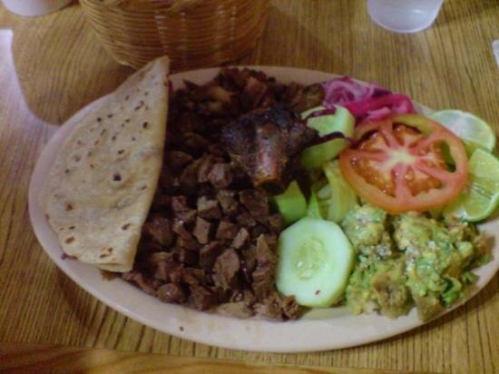 Guaymas, Mexico: Comida norteno mexicano: quesadilla, rib, carne asada, tripa, guacamole, cucumber, salad, pickle