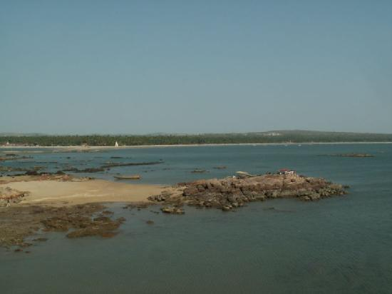 Malvan, India: Tarkarli from Sindhudurg Fort 1