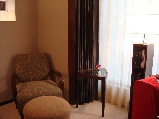 Les Suites Taipei Daan: Bedroom corner