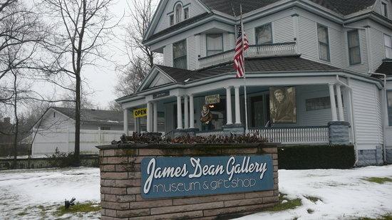 James Dean Gallery: Jan 2010
