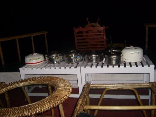 Jungle Lodges Devbagh Beach Resort: Our dinner on the boat(for2)