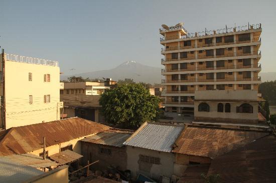 Buffalo Hotel: Blick vom Balkon Richtung Kili