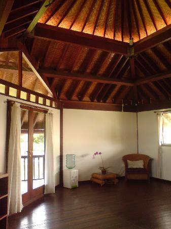 Villa Tiga: the upstairs bedroom again
