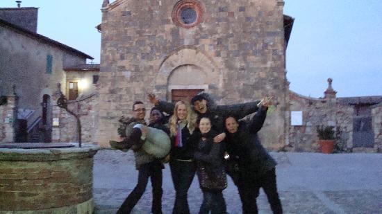 Fun in Tuscany: goofing around before dinner!