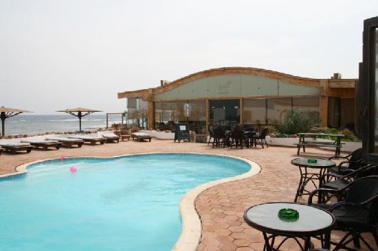 Blue Beach Club: Blue Beach, pool area