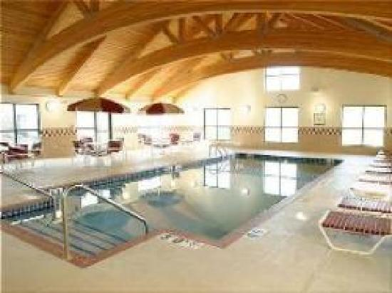 Staybridge Suites Middleton / Madison: 24/7 Pool