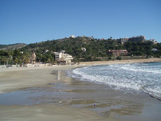 Voramar Hotel: Vista hotel desde la playa