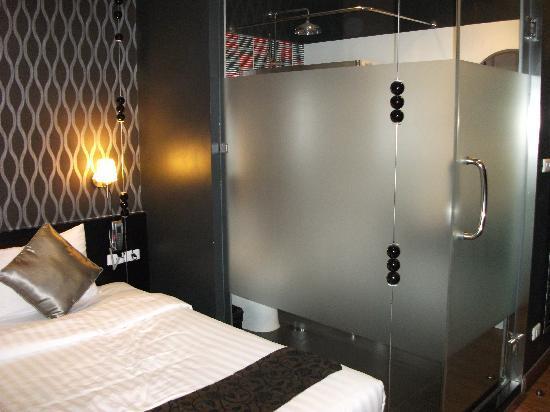 Glitz Bangkok Hotel: bedroom