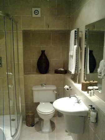 Apsley House Hotel: gr8 bathroom