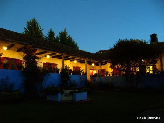 Huasca de Ocampo, Mexico: The hotel at night.