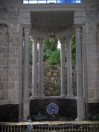Balneario de Mondariz: fuente de gandara