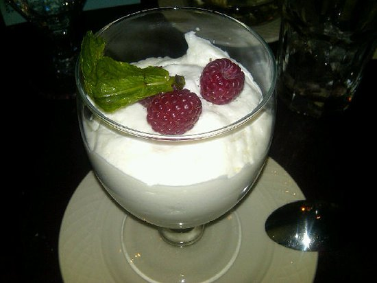 Plymouth, Nueva Hampshire: Raspberry White Chocolate Mouse!