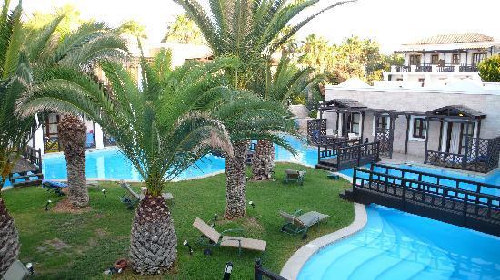 Aldemar Royal Mare Thalasso Resort: Blick auf Anlage