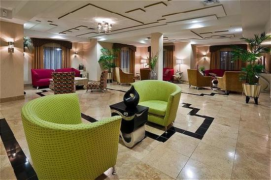Holiday Inn Express Birmingham/Inverness: Hotel Lobby