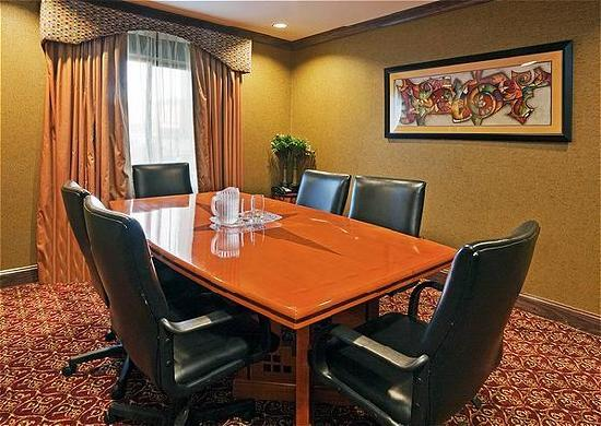Holiday Inn Express Birmingham/Inverness: Boardroom