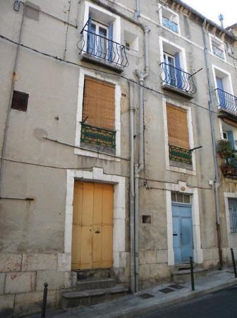 Sete, France: Building where Raph lived when he was born