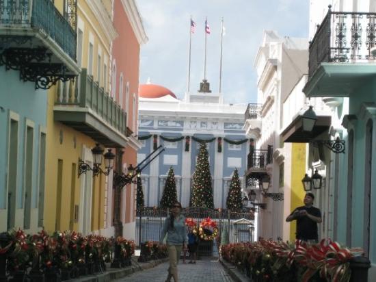 La Fortaleza - Palacio de Santa Catalina: LA FORTALEZA.  RESIDENCIA DEL GOBERNADOR DE PUERTO RICO.