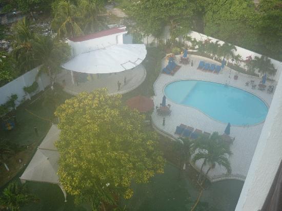 Hotel Arena Blanca: VISTA DE LA PISCINA